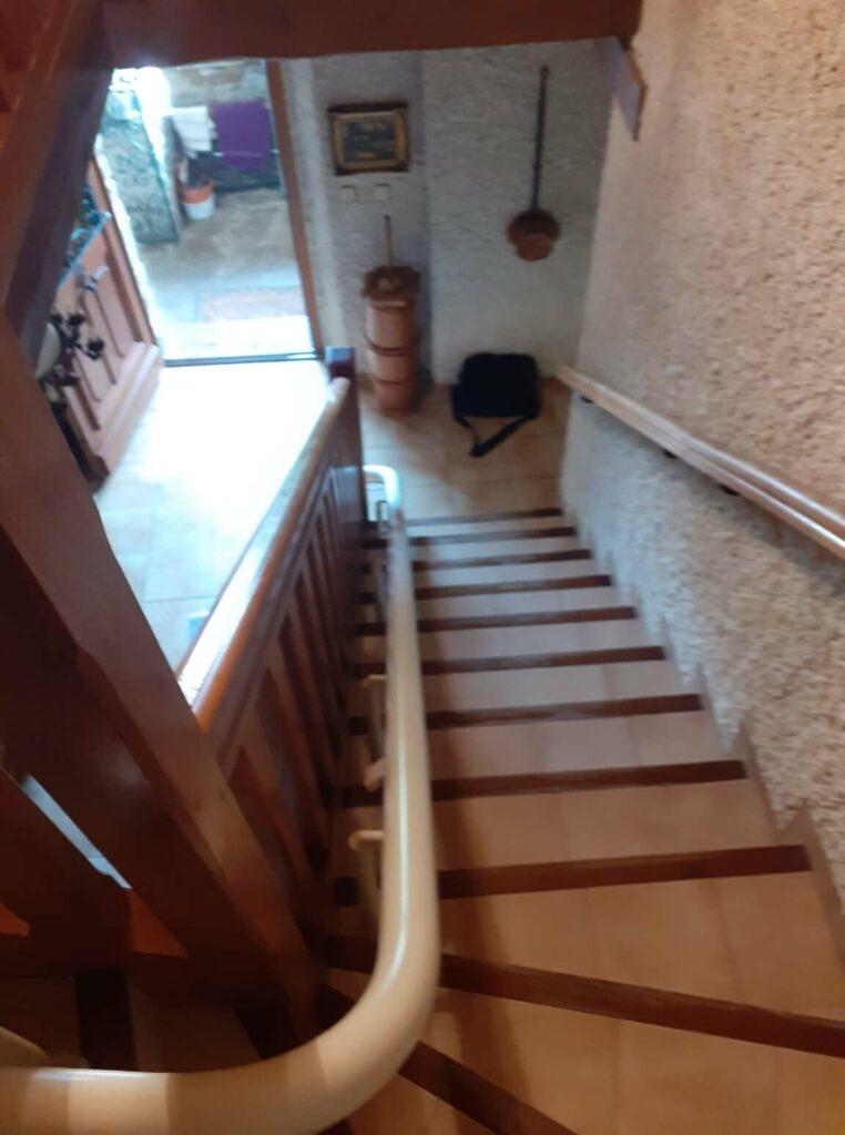 Monte-escalier courbe à Anthy-Sur-Léman